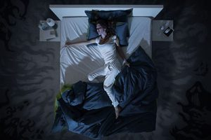 Understanding Causes and Treatment Options for Night Sweats 1