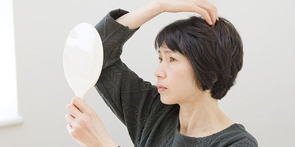 How to Minimize and Treat Hair Changes and Damage Due to Menopause